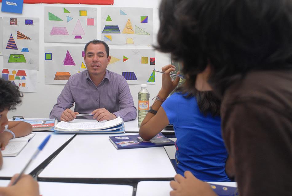 Ingles Colegio Huellas Primaria